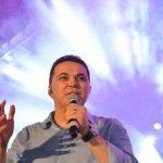 """Jalser vai cantar no """"Casarão"""""""