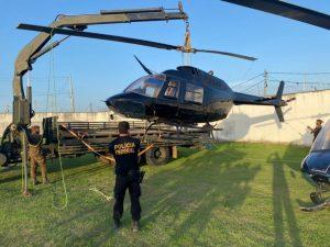 Garimpeiros recuperam helicópteros